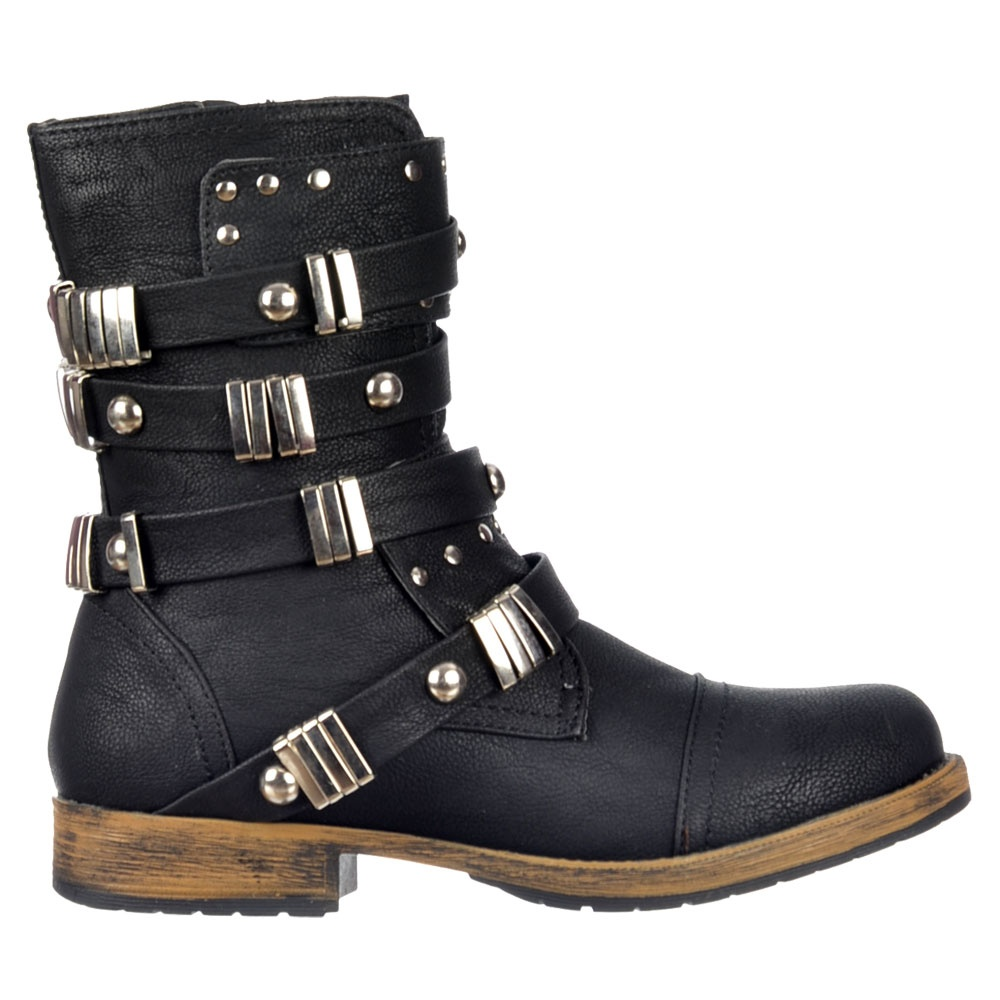 Women's motorcycle boots Women's motorcycle boots are designed for the structural differences of a women's foot. Your connection to your motorcycle starts with your feet and having to rely on them for shifting and braking means you should probably invest in a proper pair of women's motorcycle boots so they can keep on doing what they do best.