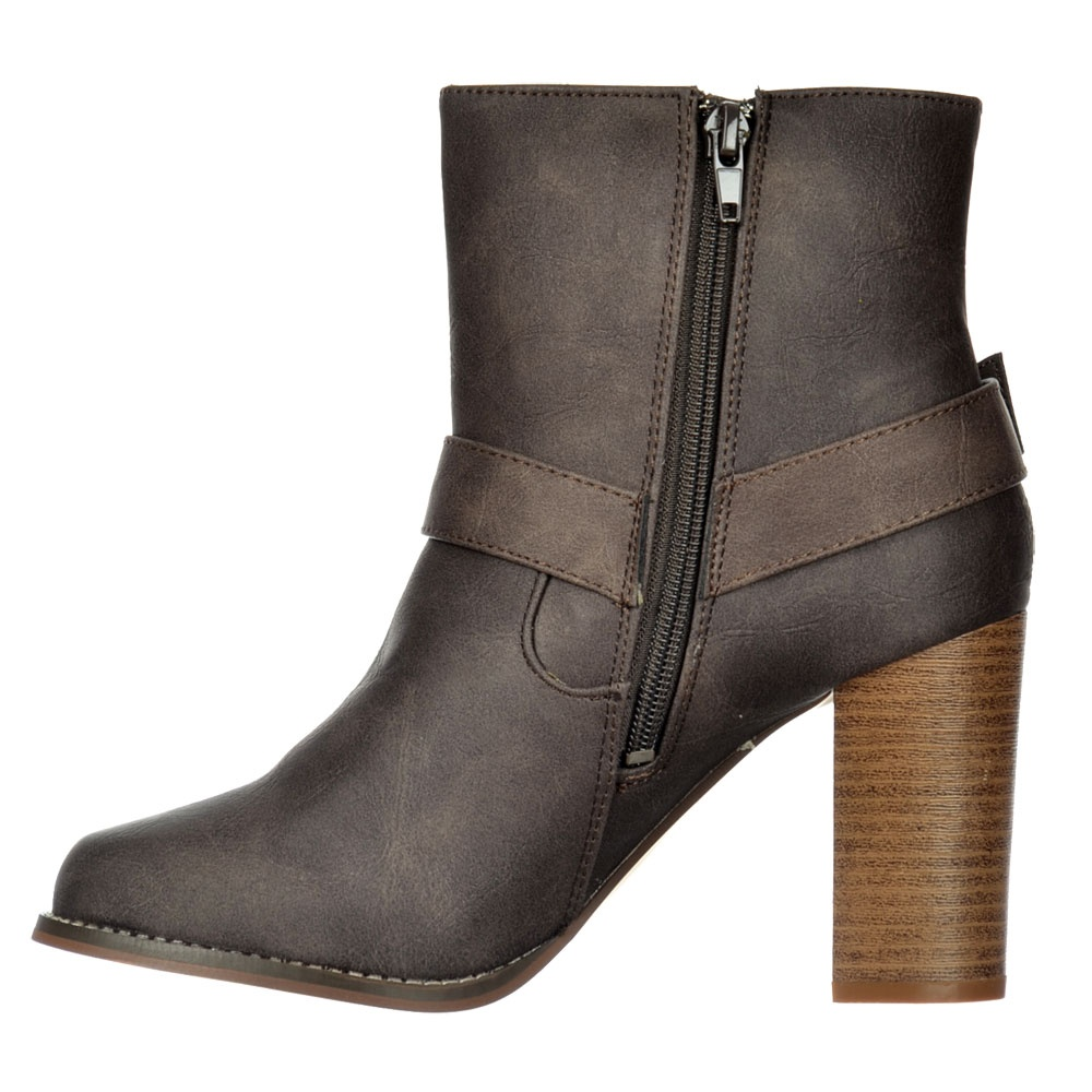 87ccd69557630 Chelsea Ankle Boot With Buckles and Straps - Block Cuban Heel - Brown, Black